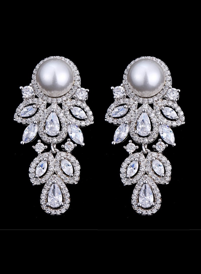 Pair Pearl Leaf Dangle Drops SILVER Wedding Gauges tunnels image 0