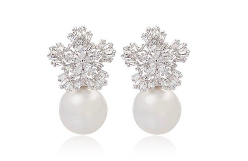 Pearl Stud Snowflake earrings Prom Bridal Wedding Gauges image 0