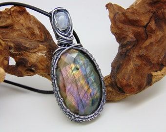 Purple Labradorite Pendant - Wire Wrapped Jewellery - Purple Stone Necklace - Labradorite Necklace - Statement Necklace - Moonstone Pendant