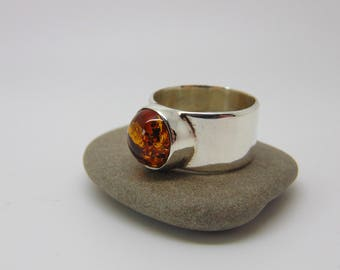 Round Amber Ring - Sterling Silver Ring - Amber Jewellery - Statement Ring - Minimalist Jewellery - US Size 7 - UK Size N