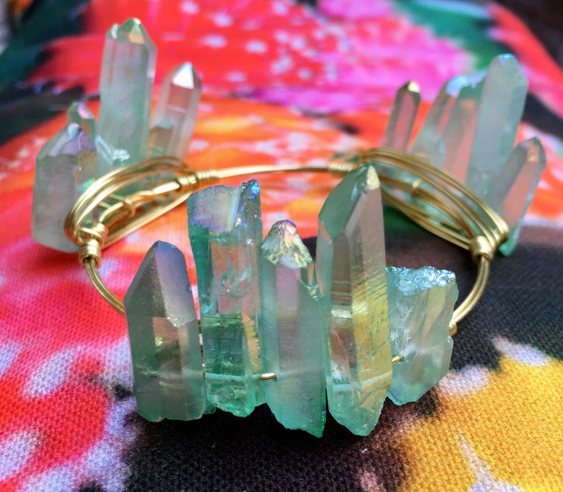 Crystal Wire Bangle Natural Stones in Green