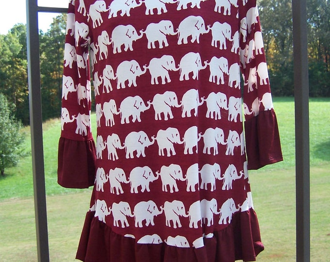 Trunks Up Elephants on Parade Womens Knit Top Maroon/Wine & White