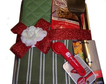 Personalized Tea Towel Set or Pot Holder Set Baking Gift Set