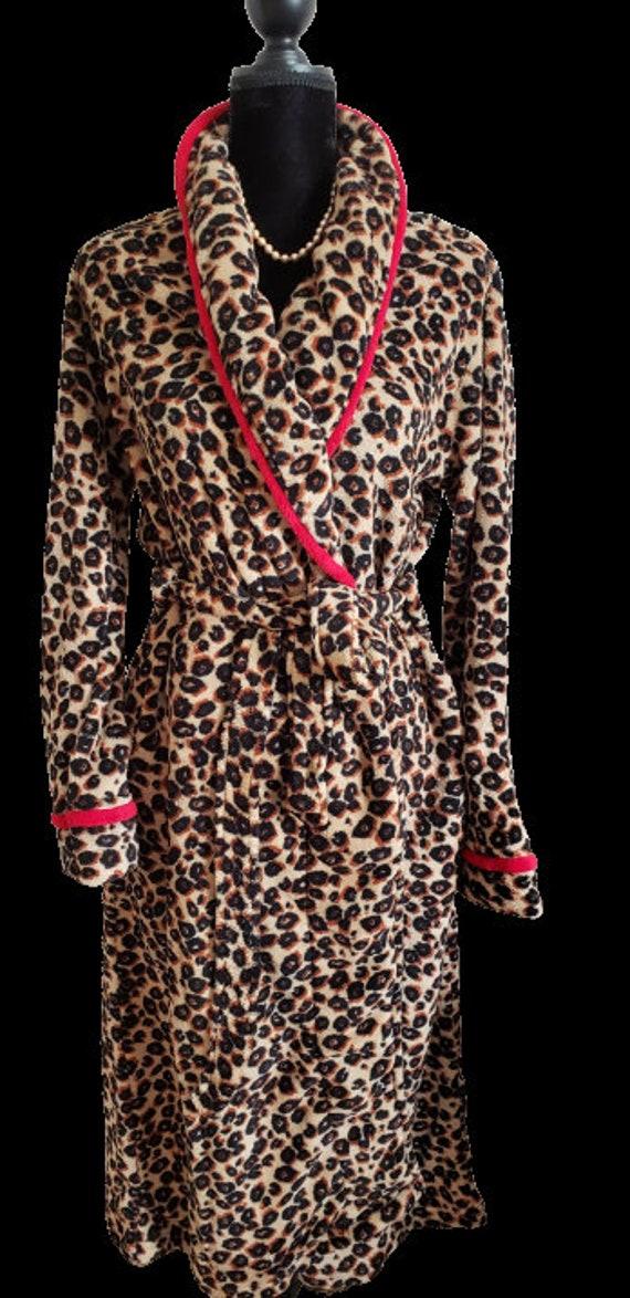 Monogrammed Bath Robe/Name,3 Ltr Initials or Greek Ltr Embroidery/ Fleece Women's Bathrobe/Red/Black/White/Pink/Leopard/Zebra Fleece Robe