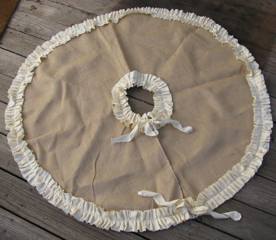 Swell Burlap Tree Skirt With Cream Or Red Ruffle Trim Lined Christmas Skirt Ruffle Christmas Skirt Download Free Architecture Designs Rallybritishbridgeorg