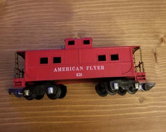 American Flyer 638 Red Caboose with Link Couplers