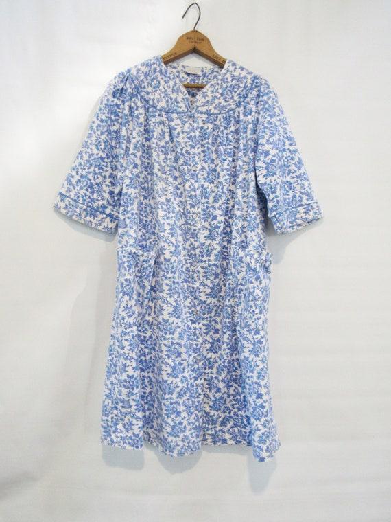 Blue Floral Flannel Housecoat Medium Large - Cine