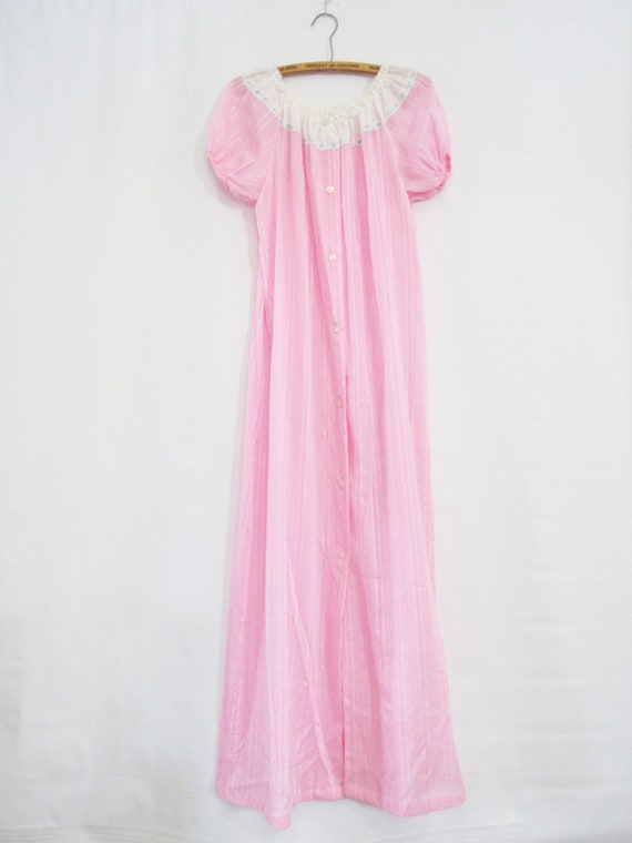 Small Bubblegum Pink Peignoir Set by Lily of France