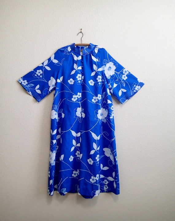 65a340c8127 Blue Floral Hawaiian Mumu   Caftan Plus Size Maxi Dress