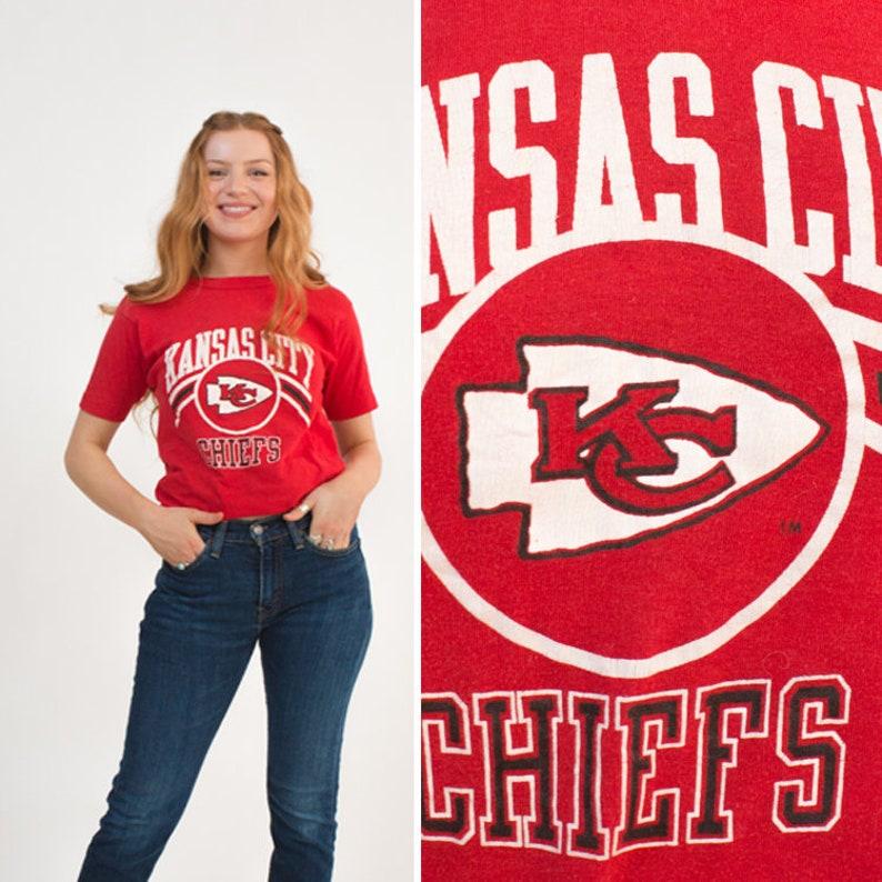 73e0134c KANSAS CITY CHIEFS t-shirt vintage women's medium football Champion 50/50  t-shirt Missouri 90s sportswear nfl t-shirt short sleeve mens
