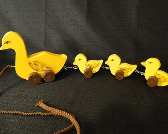 Charming Childs Pull Toy Pull Behind Ducks