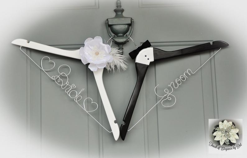 BRIDE /& GROOM Wire Name Hangers Wedding Dress Hangers Custom name Set of 2