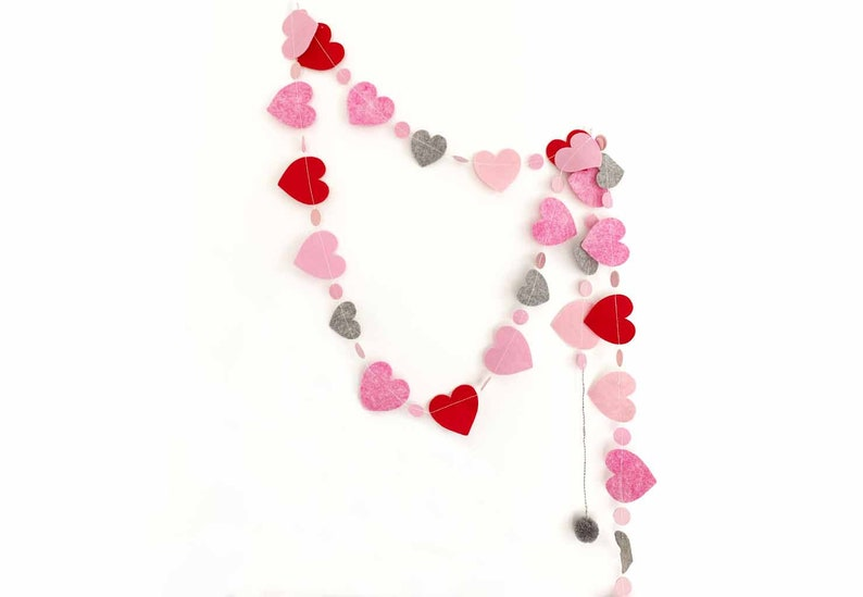 Heart Garland in Reds  Pinks image 0