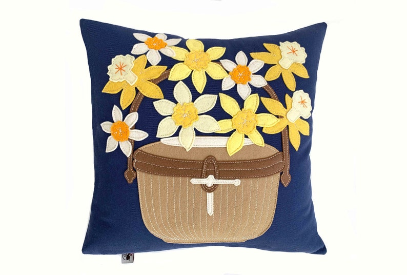 Daffy Nantucket Basket  Yellow  Navy image 0