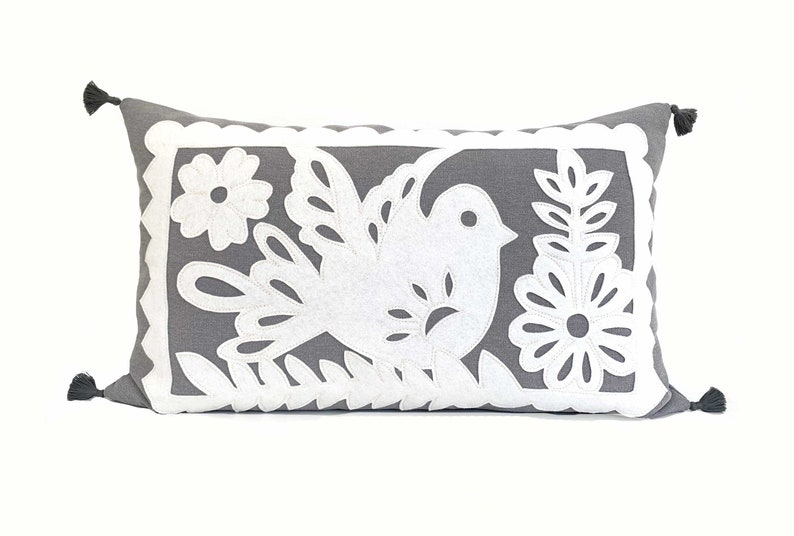 Mexican Garland  White  Gray image 0