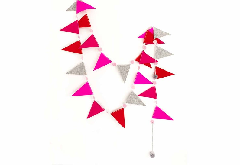 Flag Garland in Reds  Pinks image 0