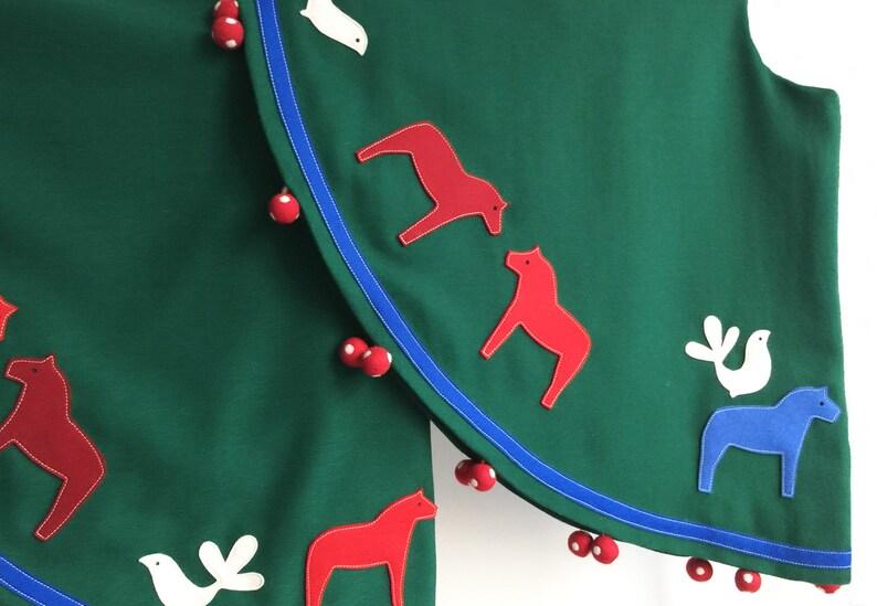 Dala Horse Christmas Tree Skirt with Pom-Pom Tassels image 0