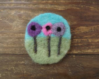 Flowers in a field, needle felted brooch - made to order