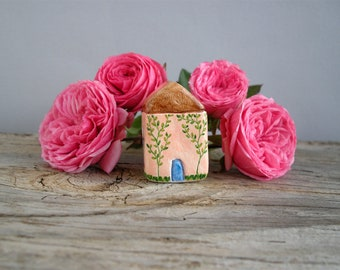 Little clay house, miniature house, tiny cottage, shelf decor, rustic home decor, hand painted, housewarming gift, small house, ooak
