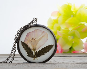 Medallionchain with real flower
