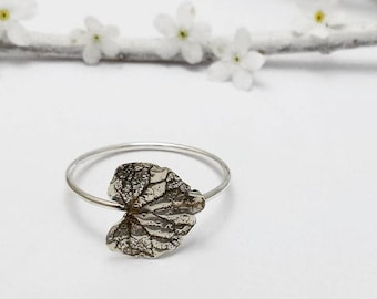 Silver Ivy Leaf ring, Sterling Silver Jewelry, Woodland Jewelry, Botanical Jewelry, Oxidized Leaf ring, Nature Jewelry