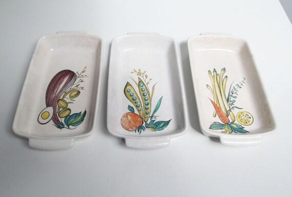 Plat de trois ramequins en céramique légumier en porcelaine, Villeroy Boch Luxembourg, de Vintage, de service, aubergine asperges pois carottes longueur 9.5 en / 24 cm