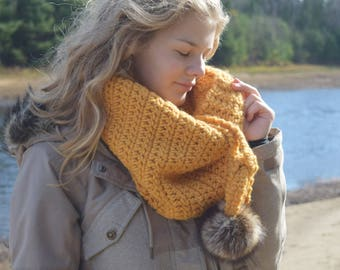 Siēnna crochet col with pompom pattern for beginner | PATTERN #64