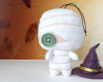 PDF Pattern - Felt Mummy Halloween Ornament