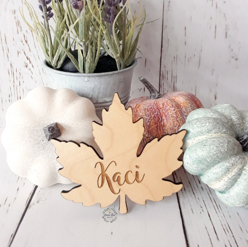 Laser Engraved Fall Decor Maple Leaf Place Cards Custom Made Free Engraving Thanksgiving Table Setting Wood Place Cards