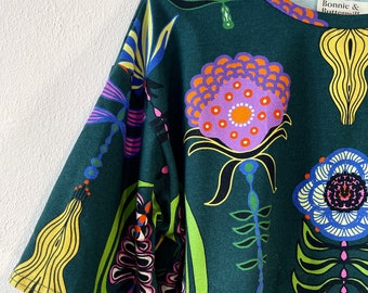 "Shirt LORI 1/2 Arm ""Where the wild flowers grow"" green colorful"
