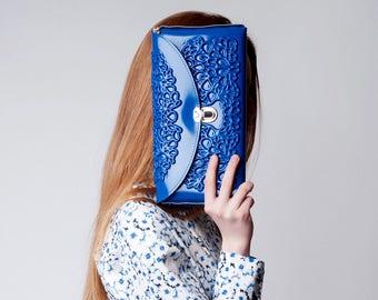 Vinyl handbag / vinyl clutch bag / blue pvc shoulder bag / vegan designer handbag / non leather clutch purse / printed pvc / standout design