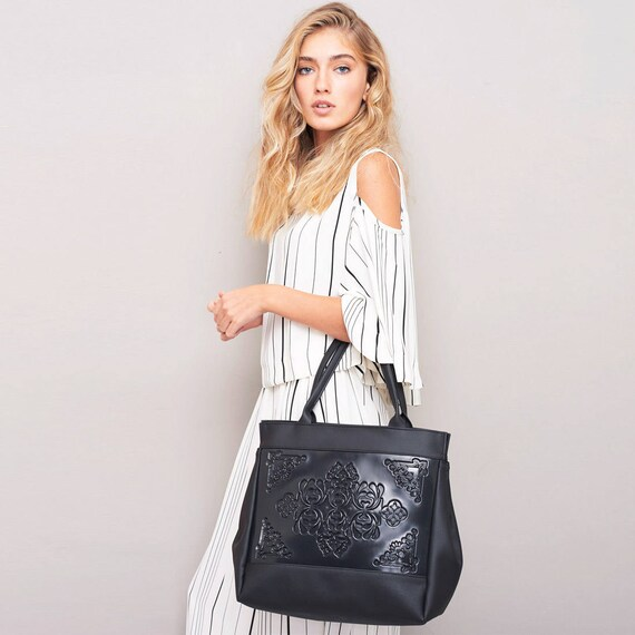 e408c158ce97 Black shoulder bag