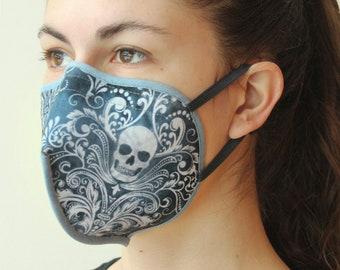Stoffmaske mit Bügel und Gummibändern Gothic Skull rauchblau