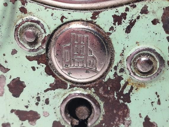 Old Padlock BURG collection from the 70s @ Vintage @ Old Padlock – Altes Vorhängeschloss – Antiguo Candado Ancien cadenas