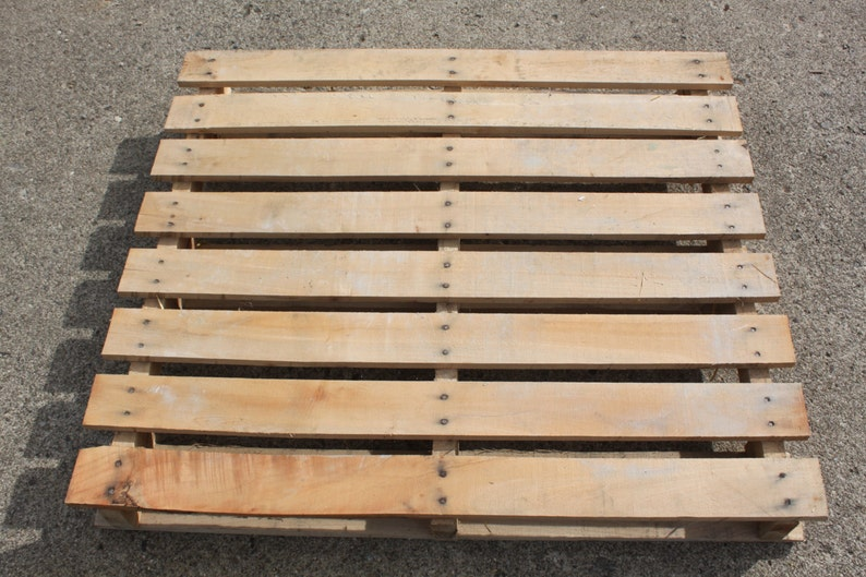 The Ultimate Guide To Working With Pallets  Includes Plans image 0