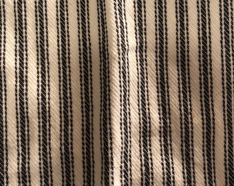 "Loose ""25 x ""25 Striped Fabric Strip"