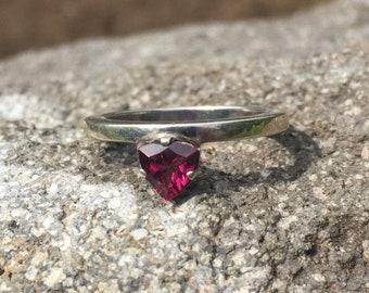95% silver ring with natural pink rhodolite garnet