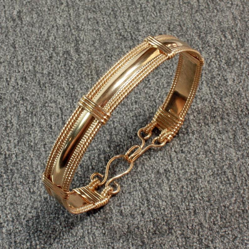 Contemporary Smooth Pattern Gold Bangle Bracelet 14k Gold image 0