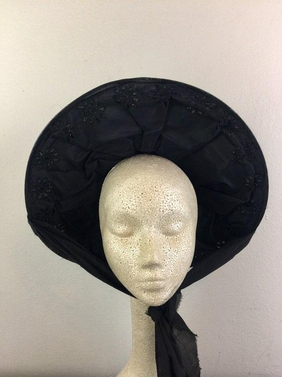 Vintage 30s 40s Black Straw and Velvet Sun Hat Ci… - image 3