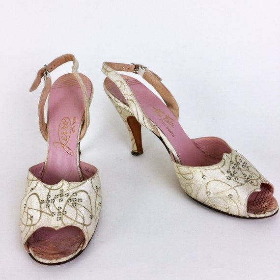 Vintage 30s 40s Jerro Heels Shoes Cream and Gold R