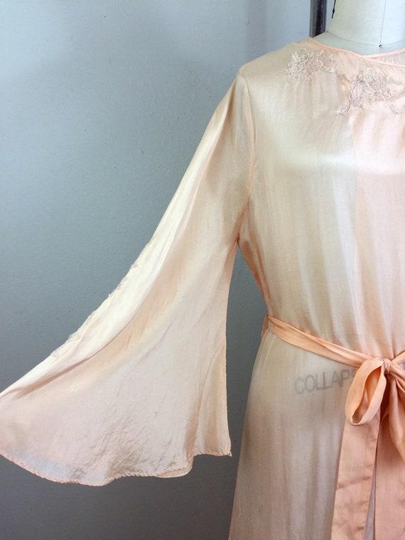 RSVD for Jeannine/Vintage 30s Peach Silk Embroide… - image 4