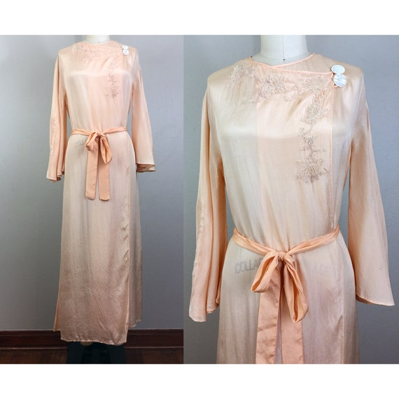 Vintage 30s Peach Silk Embroidered Robe Dressing G