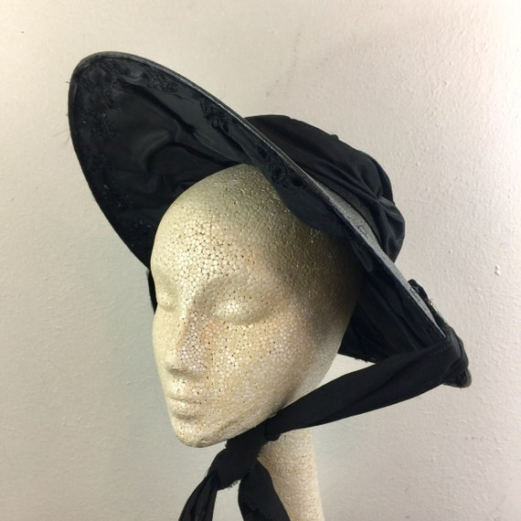 Vintage 30s 40s Black Straw and Velvet Sun Hat Ci… - image 4