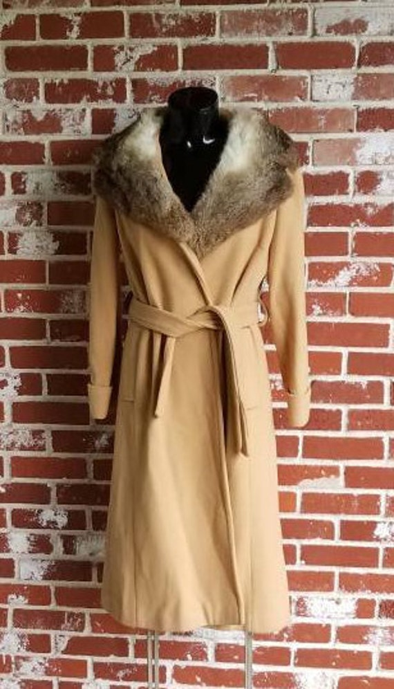 Fab Vintage 60s/ 70s Trench coat w/Rabbit Collar C