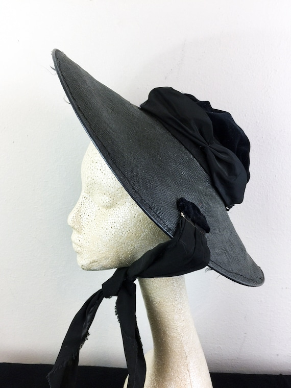 Vintage 30s 40s Black Straw and Velvet Sun Hat Cir