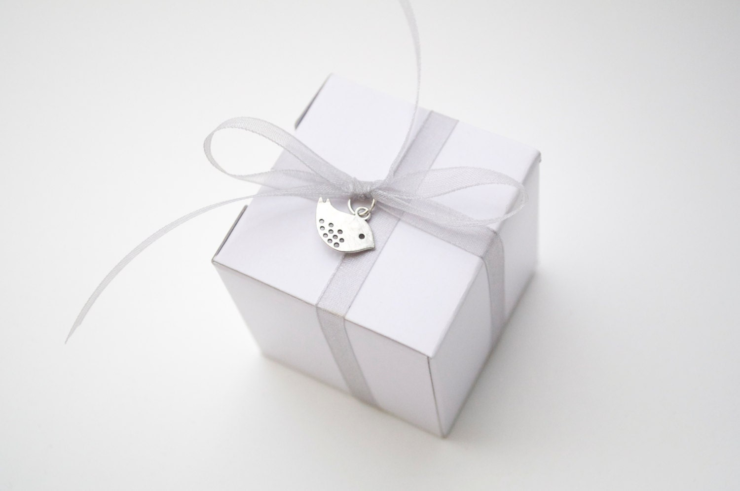 Bird wedding favor, white and silver, wedding favor boxes, wedding ...
