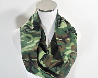 SALE. SCARF SALE.Green Infinity Scarf, Green  Camouflage Infinity Scarf. Camo Scarf, Camouflage Scarf, Green Circle Scarf.