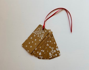 Kraft Gift Tag - Strung Labels - 'Mistletoe' pattern handprinted in white - 95mm x 40mm - price tag - Christmas - party - rustic - gift