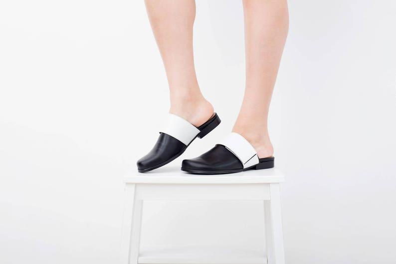 8b30366dbdfdb1 Black mule shoes wide flat close toe mules slides with white