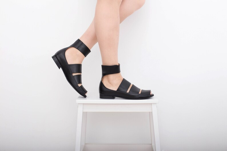 b3860947b5ad Black strappy sandals flat Womens wide leather sandals